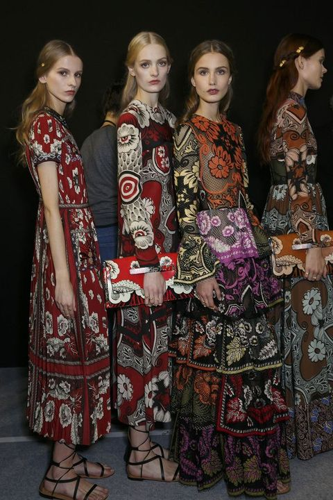 Textile, Dress, Formal wear, Fashion, One-piece garment, Day dress, Slipper, Fashion design, Foot, Makeover,