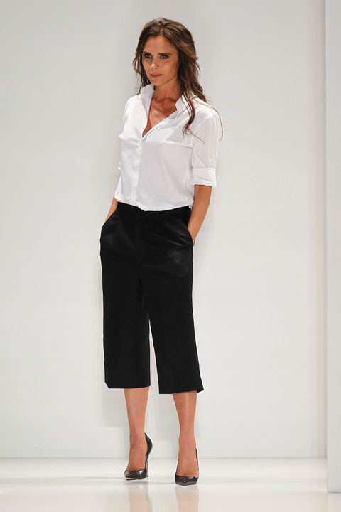 Clothing, Sleeve, Collar, Shoulder, Joint, Standing, White, Style, Formal wear, Waist,