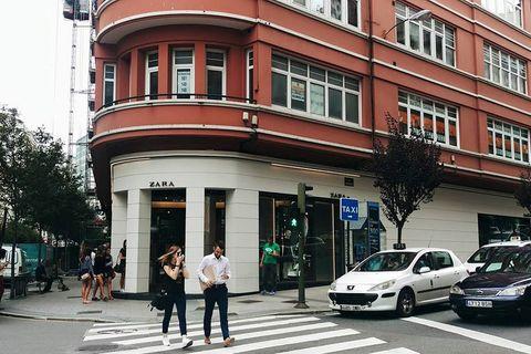 Window, Road, Infrastructure, Street, Pedestrian crossing, Town, Neighbourhood, Car, Building, Mixed-use,