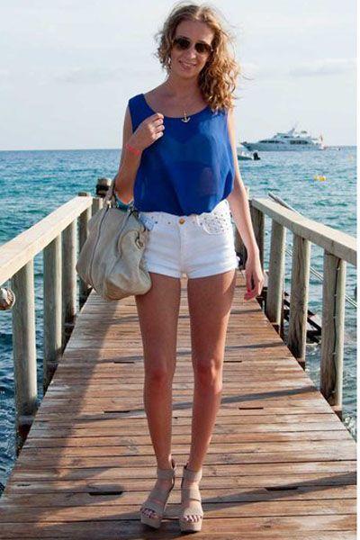 Clothing, Leg, Blue, Sleeve, Shoulder, Human leg, Joint, White, Denim, Summer,