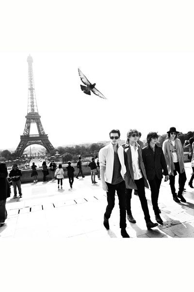 People, Standing, Style, Tower, Monochrome, Suit, Blazer, Monochrome photography, Black-and-white, Suit trousers,