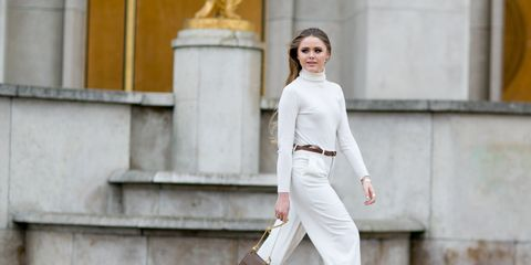 Sleeve, Shoulder, Bag, Style, Street fashion, Fashion, Luggage and bags, Waist, Fashion model, Knee,