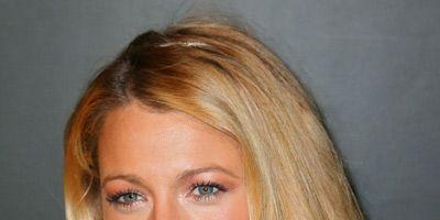 Clothing, Lip, Hairstyle, Chin, Eyebrow, Eyelash, Style, Beauty, Earrings, Blond,