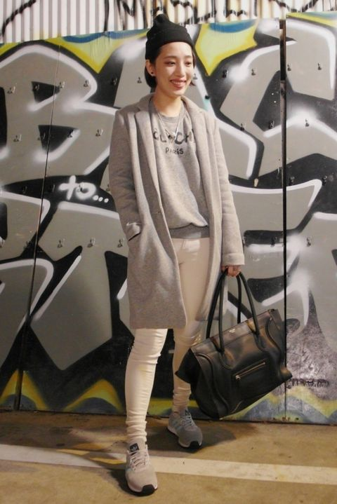 Bag, Outerwear, Style, Fashion accessory, Luggage and bags, Street fashion, Jewellery, Fashion, Cap, Handbag,