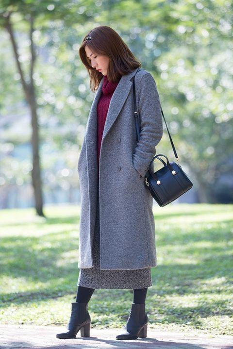 Clothing, Textile, Bag, Outerwear, Coat, Style, Street fashion, Fashion accessory, Pattern, Fashion,