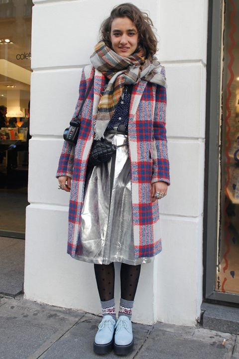 Pattern, Textile, Plaid, Outerwear, Wrap, Style, Street fashion, Stole, Tartan, Winter,