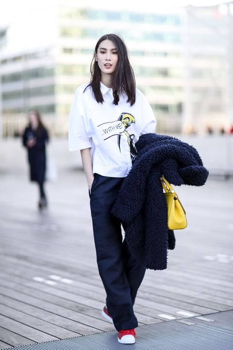 Sleeve, Shoulder, Photograph, Outerwear, Bag, Style, Street fashion, Denim, Fashion, Youth,