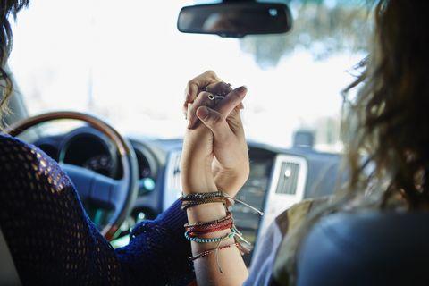 Automotive mirror, Glass, Wrist, Rear-view mirror, Steering part, Bracelet, Steering wheel, Fashion accessory, Automotive side-view mirror, Vehicle door,