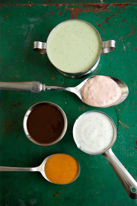Brown, Green, Dishware, Circle, Ingredient, Paint, Kitchen utensil, Serveware, South Indian cuisine, Chutney,