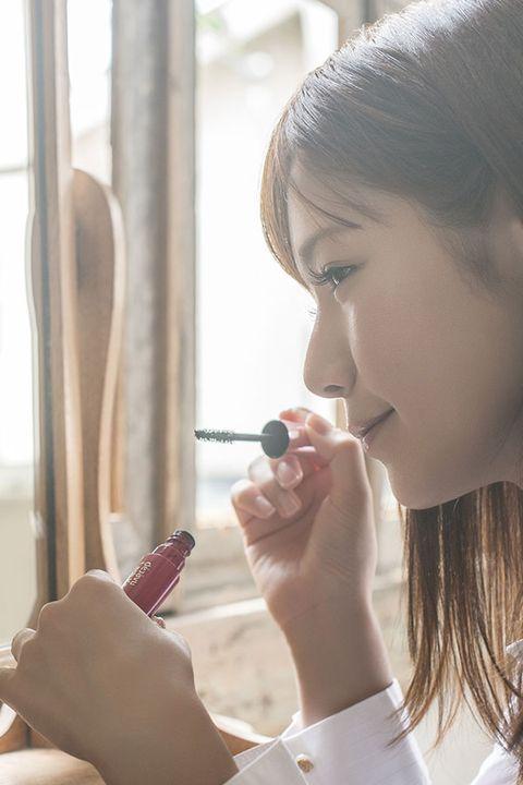 Finger, Lip, Skin, Eyebrow, Nail, Eyelash, Beauty, Jewellery, Cosmetics, Nail care,