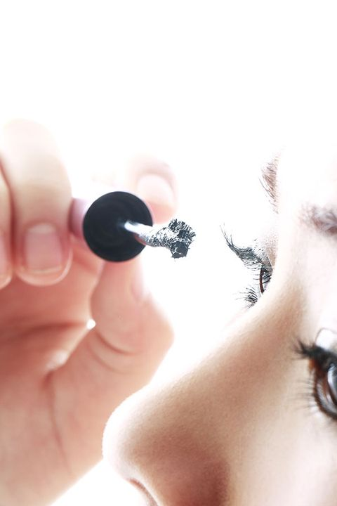 Finger, Skin, Eyelash, Eyebrow, Iris, Organ, Nail, Eye shadow, Eye liner, Mascara,