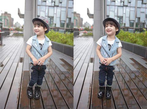 Clothing, Leg, Trousers, Photograph, Child, T-shirt, Denim, Shorts, Bench, Pattern,