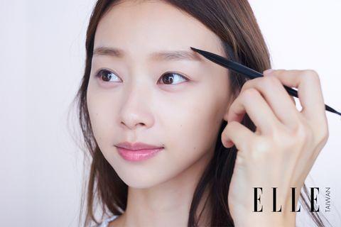 Nose, Lip, Cheek, Finger, Eye, Brown, Hairstyle, Skin, Chin, Eyelash,