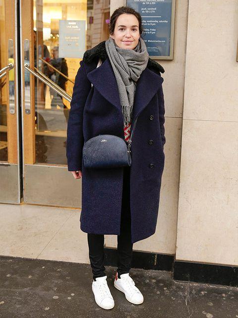 Coat, Textile, Standing, Outerwear, Style, Street fashion, Winter, Jacket, Scarf, Fashion,