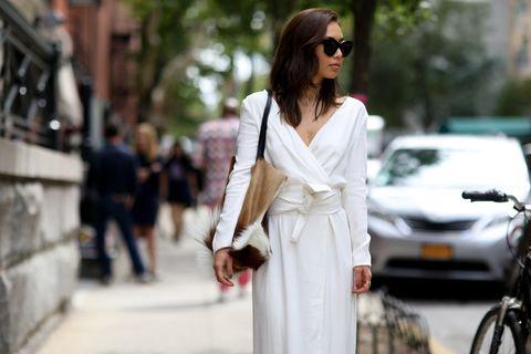 Eyewear, Vision care, Glasses, Bicycle wheel, Sunglasses, Bicycle tire, Street fashion, Style, Street, Dress,