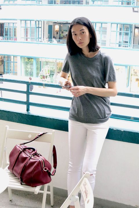Product, Shoulder, Style, Bag, Street fashion, Beauty, Fashion, Luggage and bags, Snapshot, Shoulder bag,