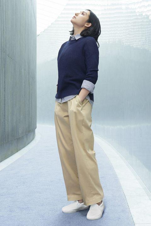 Brown, Sleeve, Human body, Collar, Shoulder, Dress shirt, Standing, Joint, Style, Street fashion,