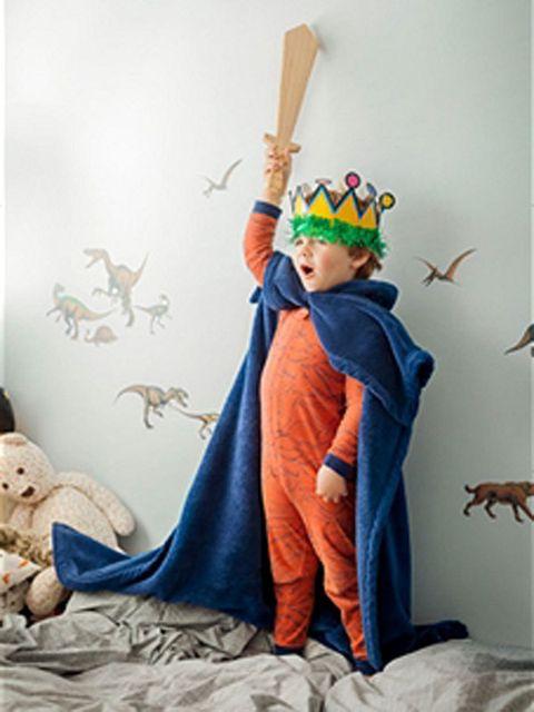 Vertebrate, Costume accessory, Art, Stuffed toy, Costume, Wing, Creative arts, Costume design, Toy, Fictional character,