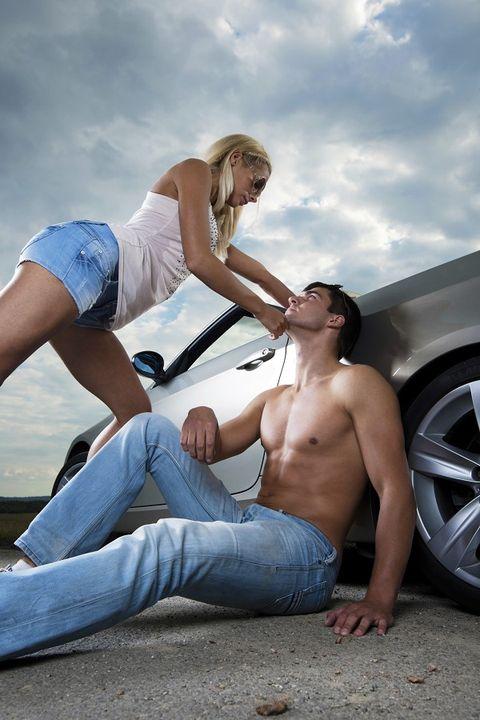 Leg, Denim, Automotive tire, Jeans, Alloy wheel, Rim, Summer, Elbow, People in nature, Comfort,