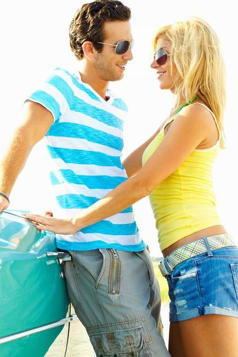 Clothing, Eyewear, Glasses, Vision care, Sunglasses, Denim, jean short, Mammal, T-shirt, People in nature,