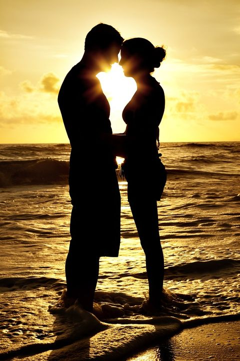 People on beach, Sunset, Happy, People in nature, Sunrise, Sunlight, Backlighting, Interaction, Holiday, Romance,
