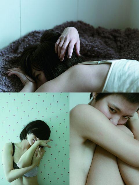 Arm, Human, Skin, Shoulder, Hand, Comfort, Mammal, Elbow, Wrist, Eyelash,