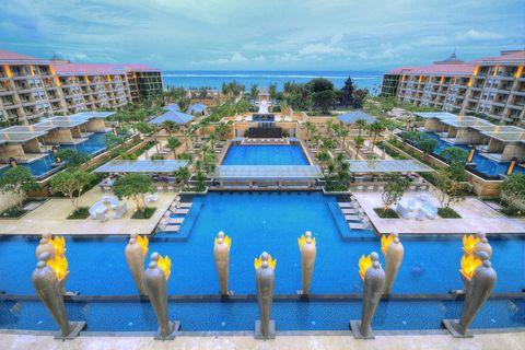 Swimming pool, Real estate, Resort, Urban design, Beak, Bird, Condominium, Roof, Mixed-use, Apartment,