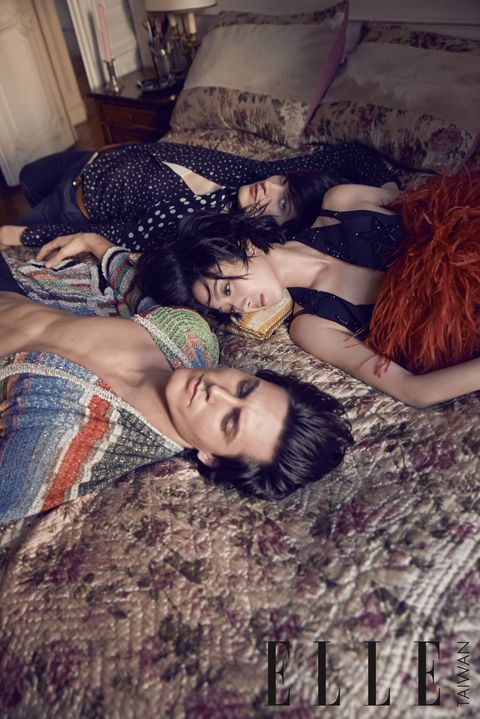 Black hair, Beauty, Makeover, Fur, Natural material, Red hair, Curtain, Model, Love, Eye liner,