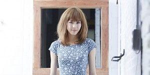 Dress, Shoulder, Human leg, Photograph, Joint, Standing, White, One-piece garment, Style, Day dress,