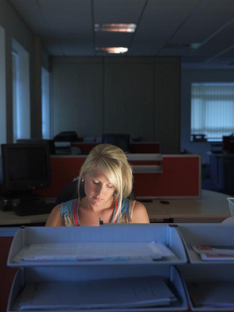 Interior design, Room, Ceiling, Light fixture, Blond, Window blind, Window covering, Employment, Fluorescent lamp, Window treatment,