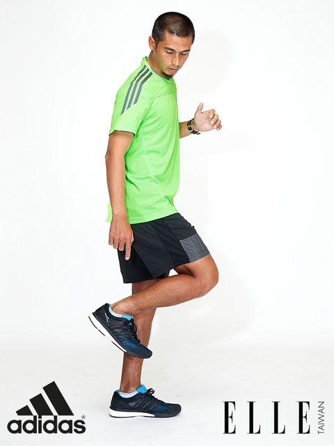 Leg, Finger, Sleeve, Human body, Human leg, Elbow, Shoulder, Shirt, Standing, Joint,