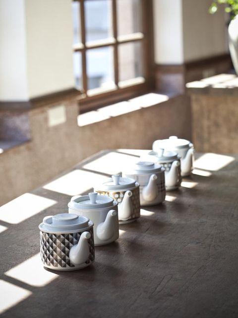 Wood, Ceramic, Porcelain, Pottery, Dishware, Still life photography, Serveware, Games, earthenware, Daylighting,