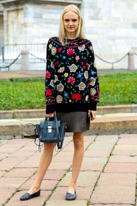 Clothing, Shoulder, Outerwear, Bag, Style, Street fashion, Pattern, Beauty, Fashion, Electric blue,