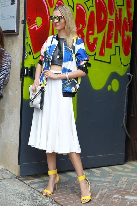 Style, Street fashion, Hat, Fashion accessory, Sunglasses, Bag, Electric blue, Blond, Goggles, Sandal,