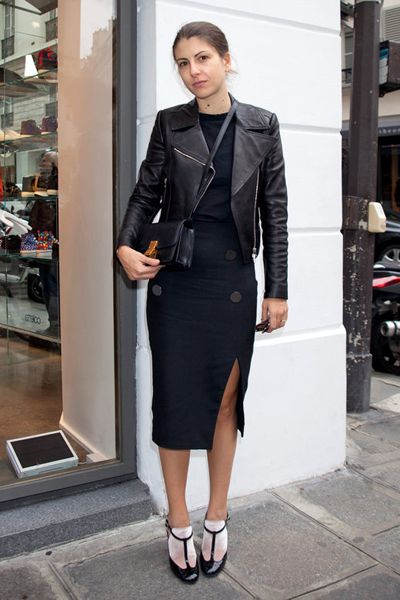 Clothing, Sleeve, Shoulder, Collar, Joint, Outerwear, Style, Formal wear, Street fashion, Fashion,
