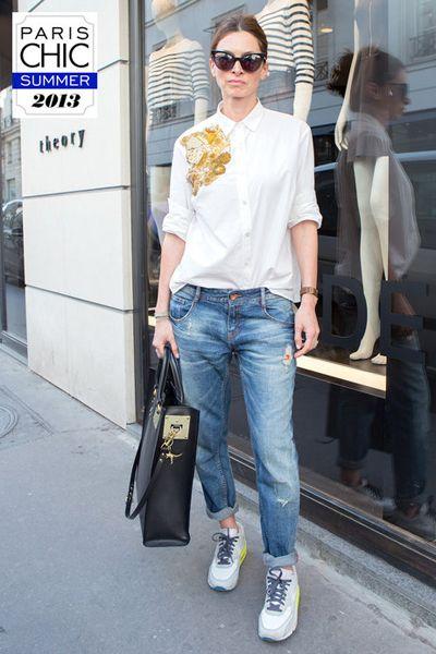 Clothing, Eyewear, Product, Trousers, Denim, Shoulder, Jeans, Textile, Bag, Sunglasses,