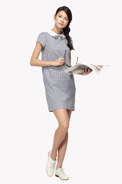 Product, Sleeve, Shoulder, Joint, Standing, Style, Dress, Elbow, One-piece garment, Collar,