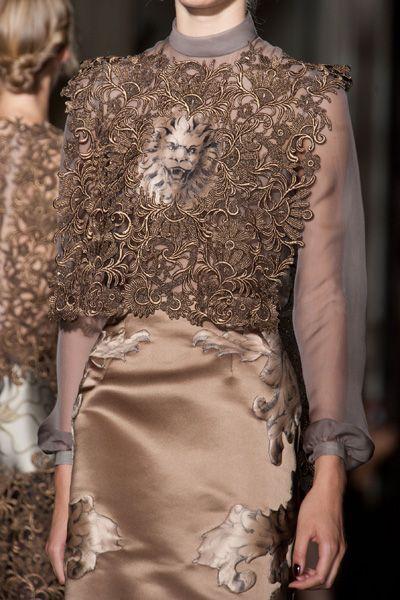 Sleeve, Joint, Dress, Fashion, Neck, One-piece garment, Mannequin, Fashion design, Embellishment, Day dress,