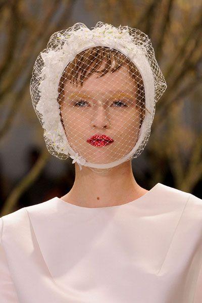 Lip, Bridal accessory, Headgear, Headpiece, Fashion, Beauty, Hair accessory, Portrait, Portrait photography, Veil,