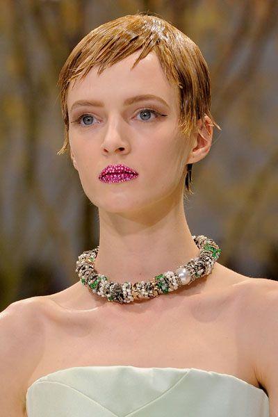 Lip, Hairstyle, Skin, Eyelash, Jewellery, Earrings, Style, Beauty, Fashion model, Body jewelry,