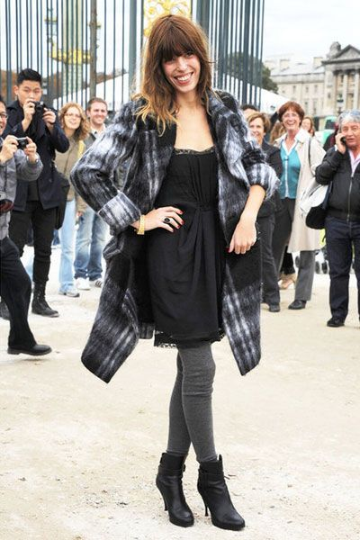 Clothing, Footwear, Face, Leg, Trousers, Outerwear, Coat, Style, Street fashion, Bag,