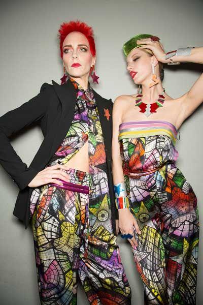 Style, Fashion, One-piece garment, Day dress, Fashion model, Model, Blazer, Wig, Red hair, Fashion design,