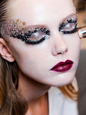 Lip, Brown, Skin, Chin, Forehead, Eyelash, Eyebrow, Eye shadow, Style, Beauty,
