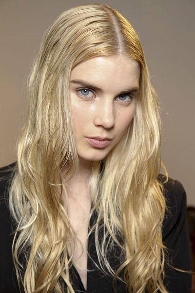Lip, Hairstyle, Chin, Eyebrow, Eyelash, Style, Long hair, Step cutting, Beauty, Blond,