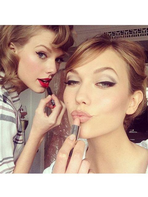 Hair, Head, Nose, Lip, Finger, Hairstyle, Skin, Eye, Eyelash, Eyebrow,
