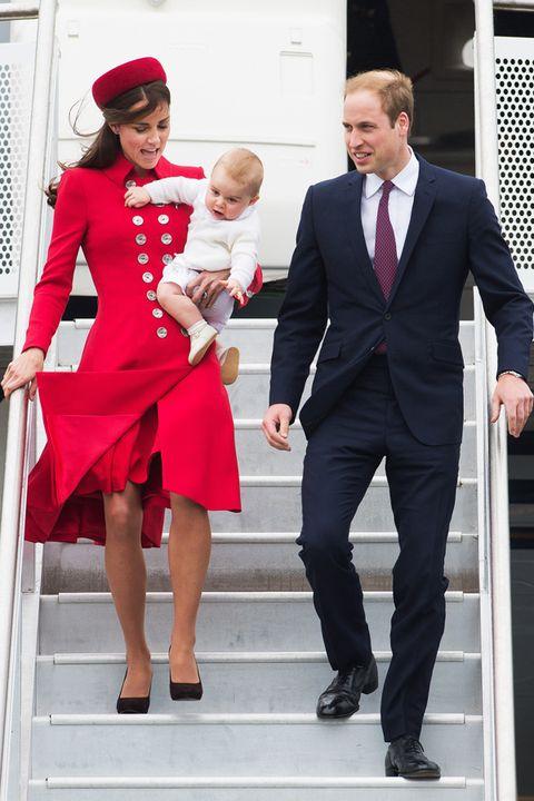 Footwear, Leg, Trousers, Coat, Collar, Red, Suit trousers, Dress shirt, Shirt, Shoe,