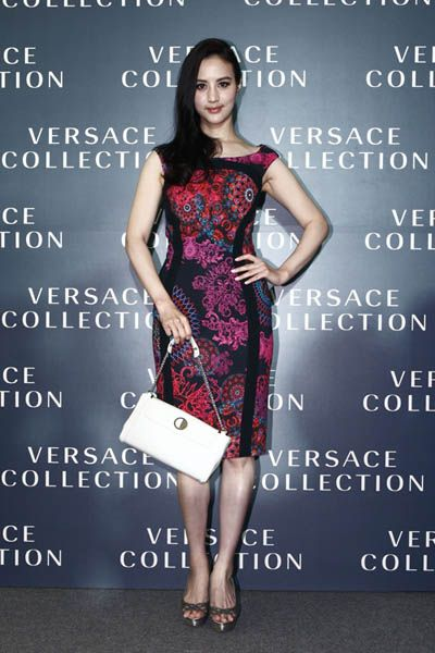 Dress, Shoulder, Red, One-piece garment, Style, Formal wear, Cocktail dress, Day dress, Fashion, Beauty,