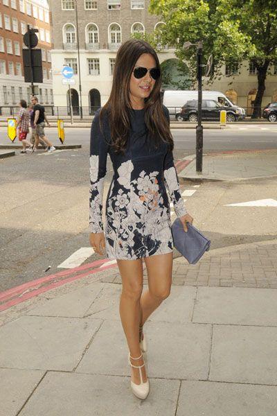 Clothing, Eyewear, Glasses, Leg, Bag, Outerwear, Street, Sunglasses, Style, Fashion accessory,
