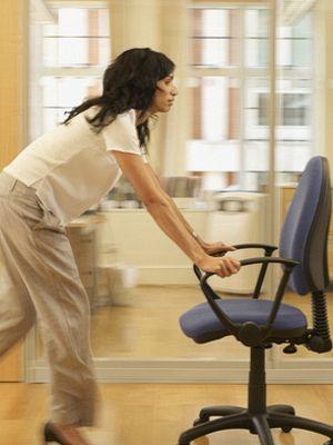 Shoulder, Elbow, Joint, Human leg, Floor, Flooring, Bicycle part, Wrist, Knee, Bicycle accessory,