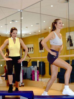 Arm, Leg, Human leg, Shoulder, Shoe, Sportswear, Physical fitness, Room, Standing, Joint,